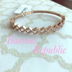 💕 Banana Republic Bangle Bracelet 💕